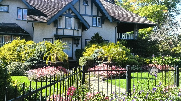 Tudor-style-house in Niagara on the Lake