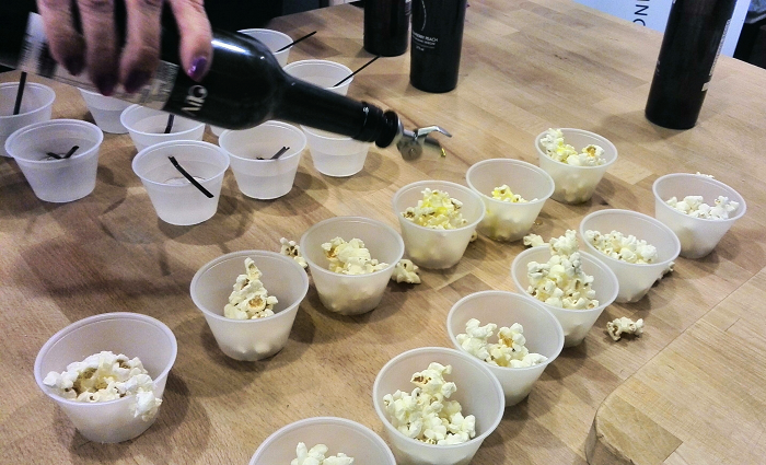 popcorn-and-oil at Oliv Tasting Room in Niagara on the Lake