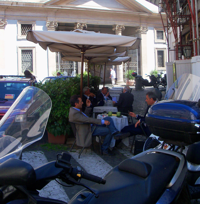 Italian Inpired - Cafe break in Rome - Cobblestones & Cappuccinos