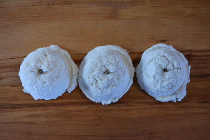 Natural bath products - Vanilla gelato bath bombs by Clean Treats