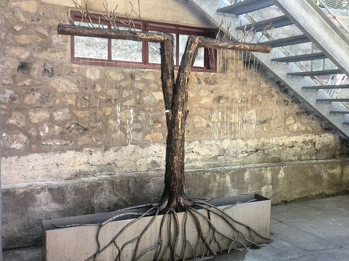 Outdoor tree sculpture, Alton Mill Art Centre, Caledon