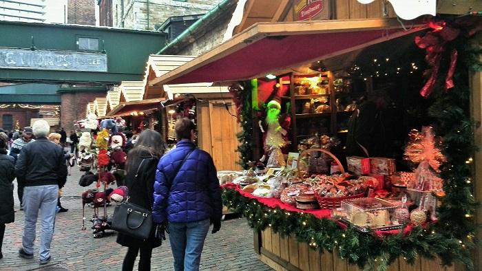 Vendor stalls, Christmas Market, Distillery District, Toronto