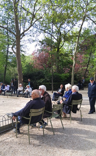 Spectators, Jardin de Luxembour, Paris, France