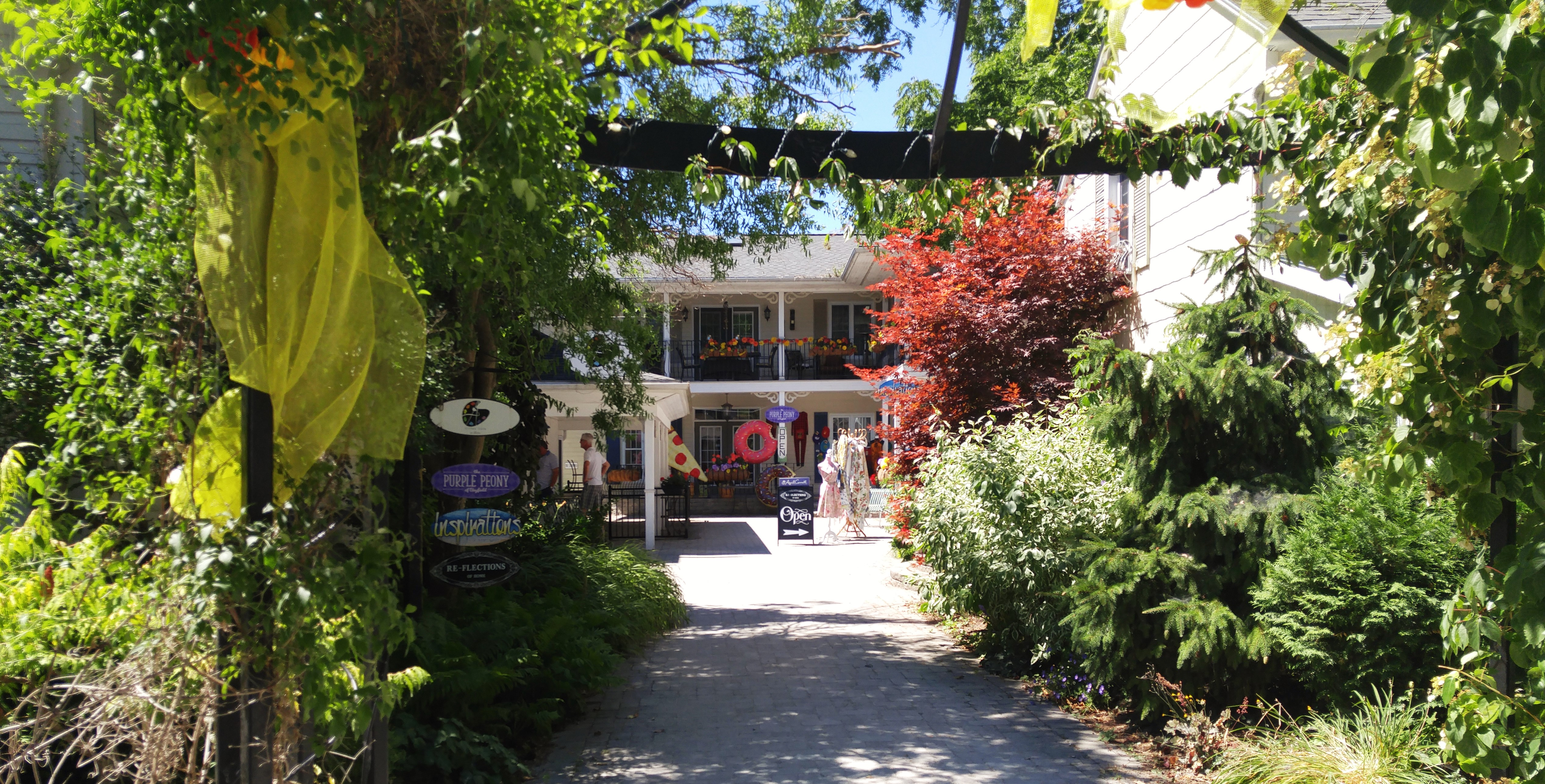 Shop alley, Bayfield Ontario