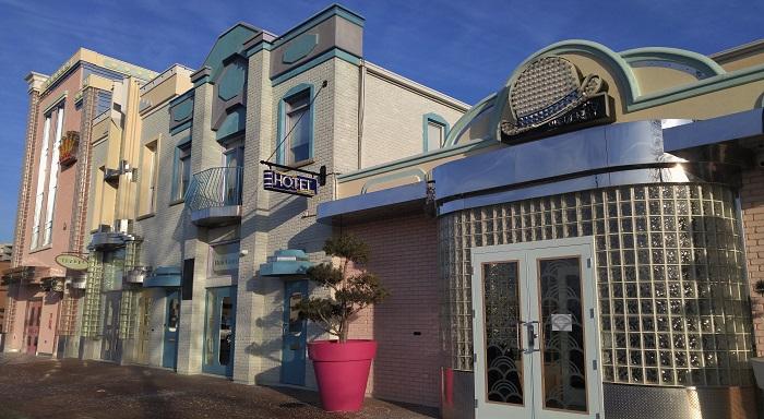 Retro Suites Hotel, Chatham, Ontario